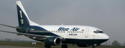 144 de pasageri ai companiei BlueAir au așteptat 9 ore în Sibiu plecarea la Stuttgart