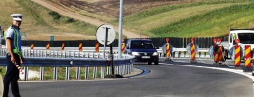 Un ;ofer a fost prins circulând cu 240 de kilometri pe oră pe Autostrada Transilvania