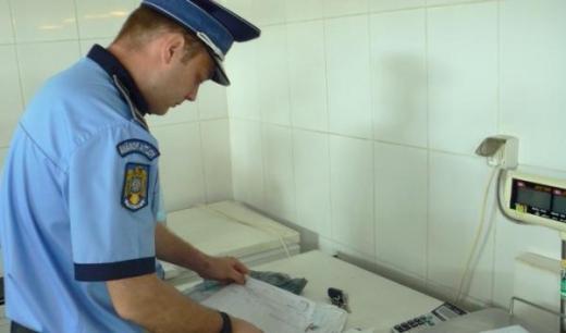 O firmă livra carne infestată cu SALMONELLA către hypermarketuri din Cluj și Brașov