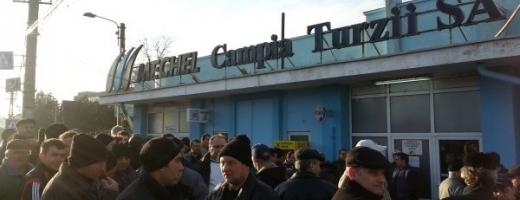 Viitorii șomeri de la Mechel au rămas fără avansul lunii octombrie