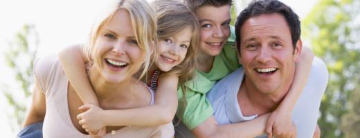 Părinţii ar putea avea o zi liberă plătită pe an pentru îngrijirea sănătăţii copiilor