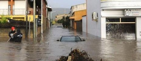 INUNDAŢII în Sardinia, provocate de un ciclon: 14 oameni au murit
