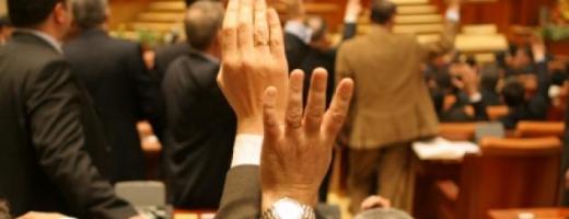 Cât de harnici au fost senatorii clujeni de la preluarea mandatelor?