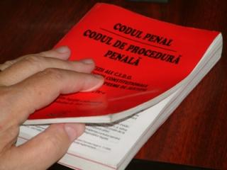 Insulta şi calomnia, reintroduse clandestin în Codul Penal