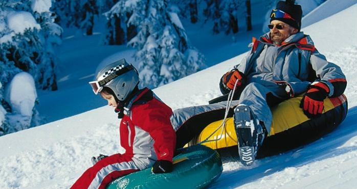 Elevii şi studenții intră de azi în vacanța de iarnă