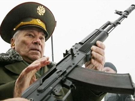 Mihail Kalașnikov, inventatorul pistolului-mitralieră AK-47