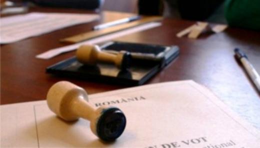 """Alegeri """"la pachet"""" cu referendumul pe Constituţie"""