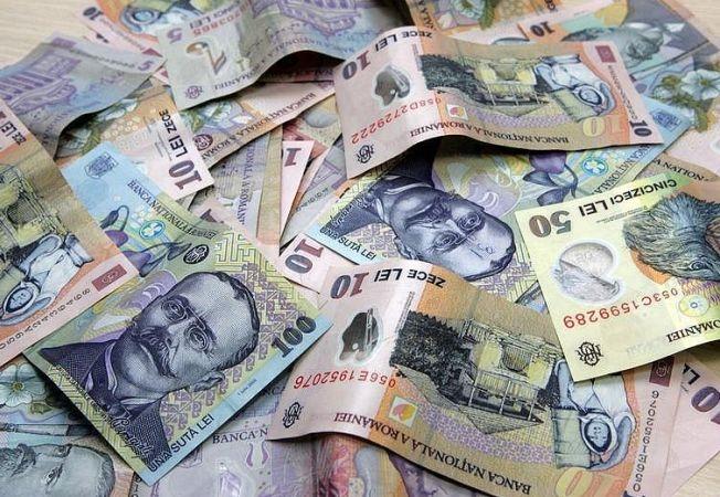 OUG care prevede că SALARIILE bugetarilor SE MENŢIN la nivelul din decembrie 2013, adoptată tacit