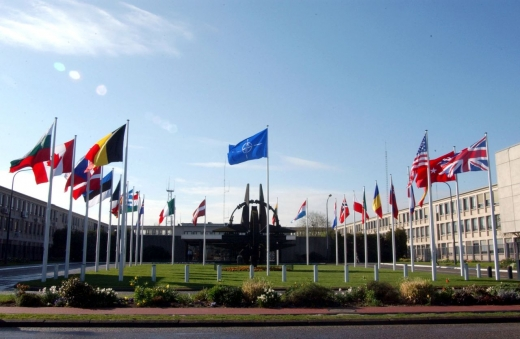 NATO nu confirmă retragerea trupelor ruseşti din Ucraina