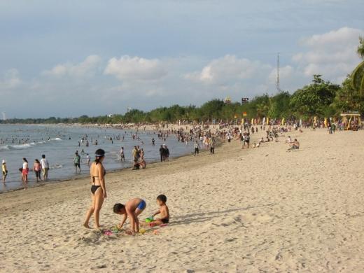 În cazul în care agenţia de turism dă faliment, turiştii îşi vor putea recupera banii daţi pe vacanţă