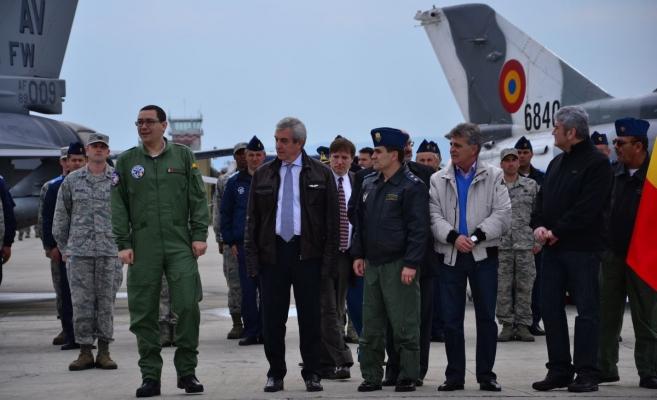 Premierul Victor Ponta alături de miniştrii Gabriel Oprea şi Mircea Duşă şi preşedintele Senatului, Călin Popescu Tăriceanu la Câmpia Turzii