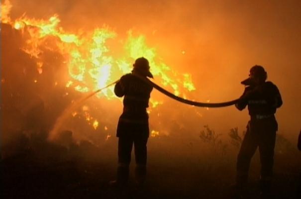 O casă din Borşa a luat foc