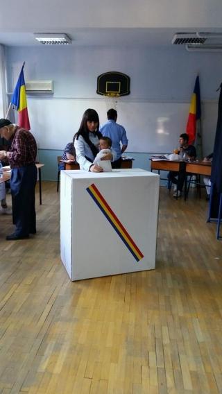 Elena Basescu la vot