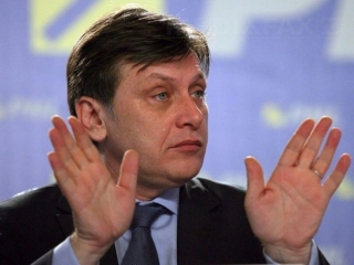 Liderul PNL, Crin Antonescu. Foto: Crinantonescu.pnl.ro