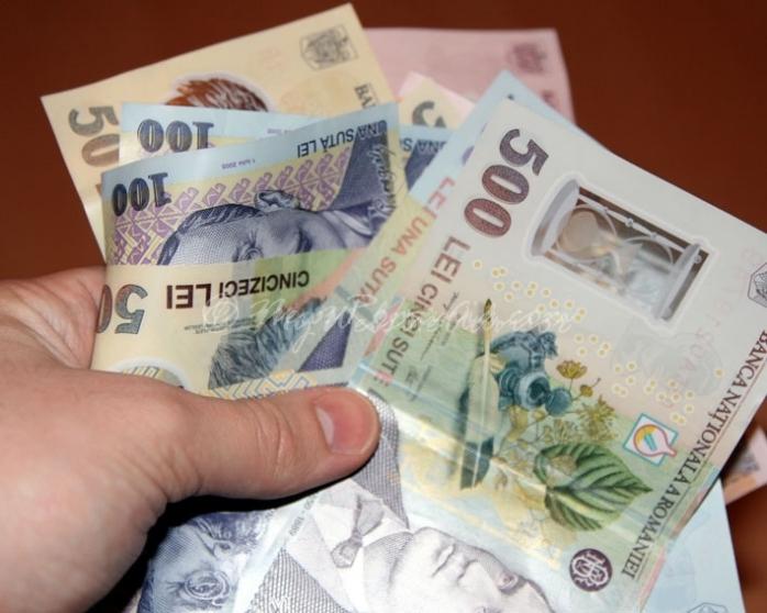 Circa 3,6% din angajaţii din Cluj au salarii brute lunare peste 5.000 de lei, pe cartea de muncă