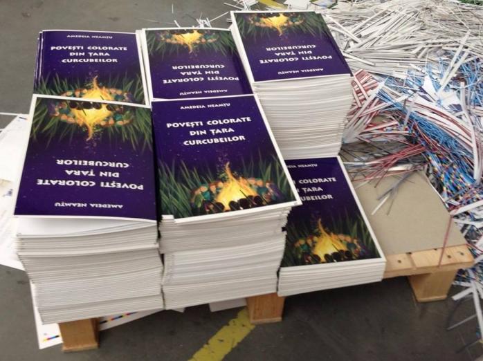 """Duminică, 22 iunie, Amedeia Neamţu lansează cartea """"Poveşti colorate din Ţara Curcubeilor"""""""