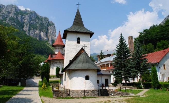 Mănăstirea Rîmeț își serbează praznicul duminică,