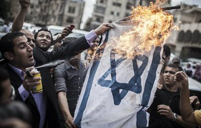 Egiptul democratic al lui Mohammed Morsi: Demonstrații împotriva Israelului. Sursă foto: inliniedreapta.net