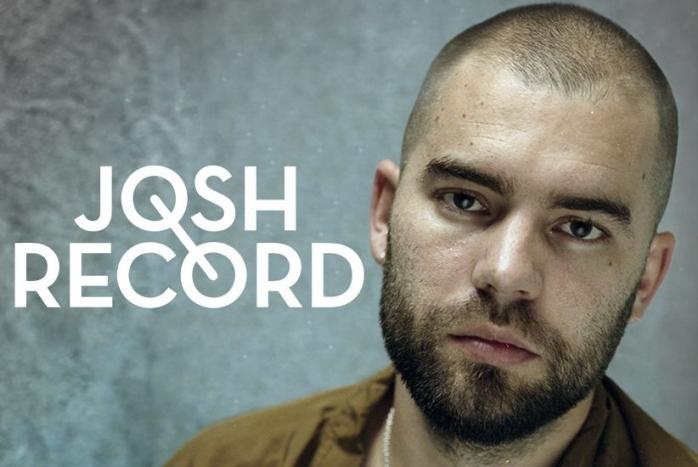 Josh Record cântă în deschiderea concertului James Blunt