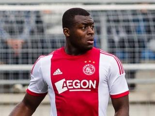 Danzell Gravenberch transferat de la Ajax Amsterdam