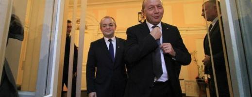 Va accepta Boc propunerea lui Băsescu de a crea un nou partid?