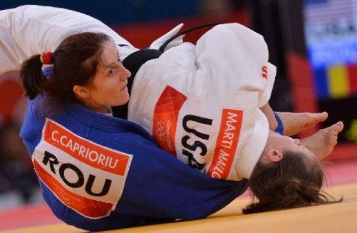 Corina Căprioriu şi Camila Minakawa Sursă foto: mondonews.ro