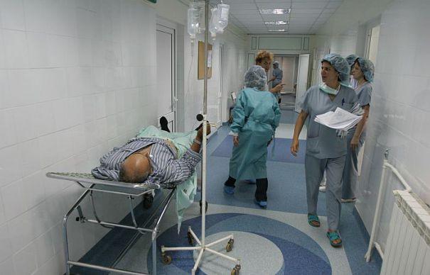 sursa foto: evz.ro. În secţiile şi compartimentele Spitalului Clinic ...