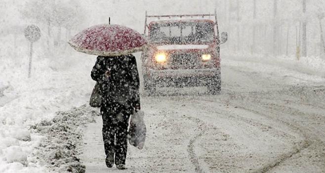 Iarna a pus stăpânire pe toată Europa. Drumuri blocate şi decese din cauza frigului