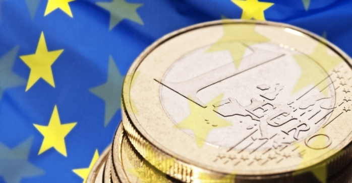 Cursul euro a crescut cu un ban