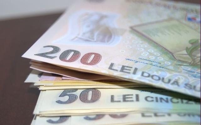 La prezidenţiale, PSD, PNL, PMP, Macovei şi Tăriceanu au încălcat legea finanţării partidelor