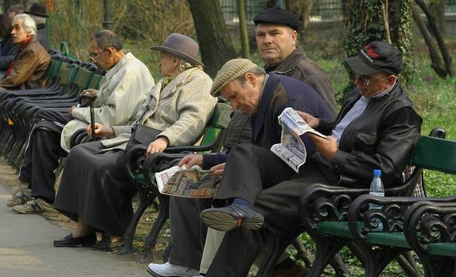 Pensionarii care obţin venituri suplimentare pot cere recalcularea pensiei
