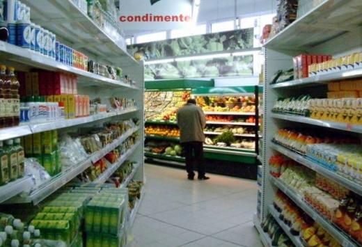 Supermarketurile înghit scăderea TVA prin majorarea prețurilor la alimente