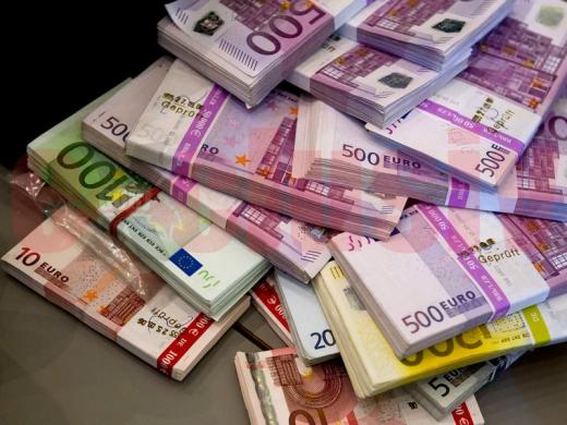 Francul poate ajunge la paritate cu euro