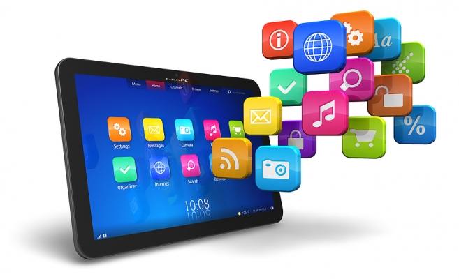 Aplicaţia facilitează accesul părinţilor la situația școlară a elevilor.