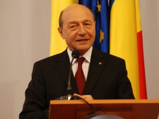 """Băsescu, parlamentarilor care vor să modifice Codul Penal: """"Opriţi-vă, imbecililor! """""""