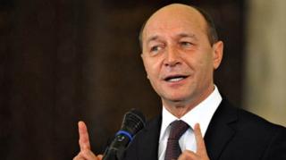Băsescu, mesaj pentru Ponta: Trădează-mă pe mine care te-am desemnat, demisionând şi nu trăda interesele ţării tale rămânând în funcţie