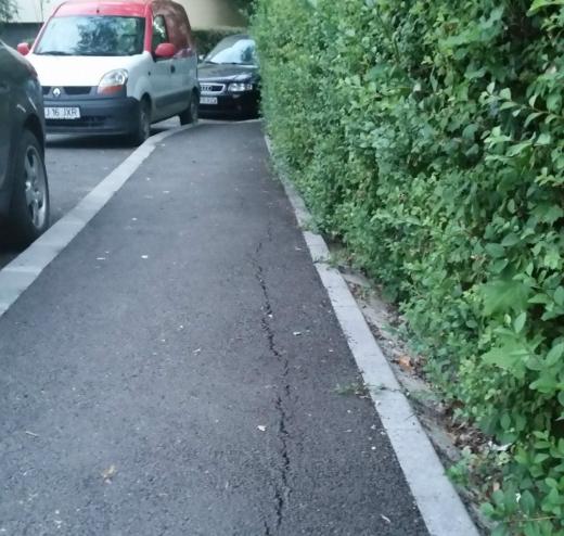 Lucrări de mântuială – Un trotuar din Zorilor e veșnic în reparații