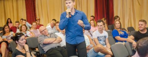Cel mai tânăr public speaker din România