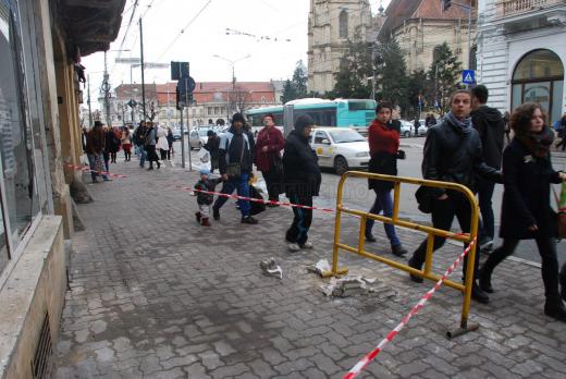 """Clujenii cer explicații pentru """"vandalizarea"""" clădirilor de către Primărie. Scrisoare deschisă către Emil Boc"""