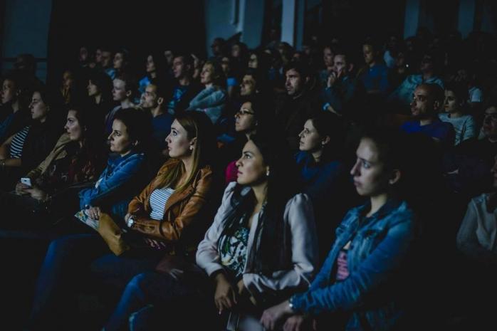 Sursa foto: https://www.facebook.com/TransilvaniaIFF/photos/pb.344764753746.-2207520000.1461157134./10154036902438747/?type=3&theater