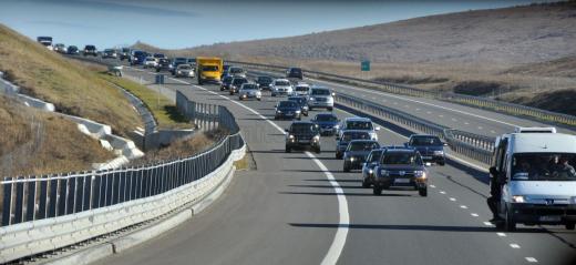 România are 747 km de autostradă și 10.000 km de drumuri de pământ