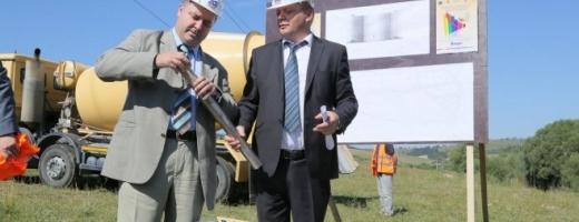 Vakar IStvan şi Ioan Oleleu la demararea lucrărilor pentru Tetarom IV