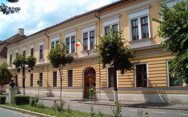 Topul şcolilor din Cluj cu cele mai bune medii la Evaluarea Naţională 2016