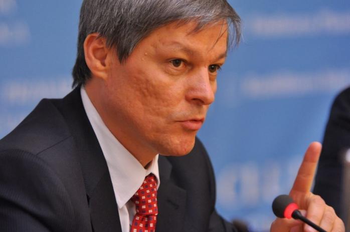 Patru miniştri, remaniaţi de premierul Cioloş. Cine sunt noile propuneri