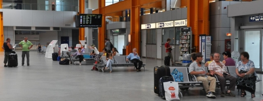 """Traficul aerian pe Aeroportul Internațional """"Avram Iancu"""" Cluj, în creştere pe parcursul primului semestru din 2016"""