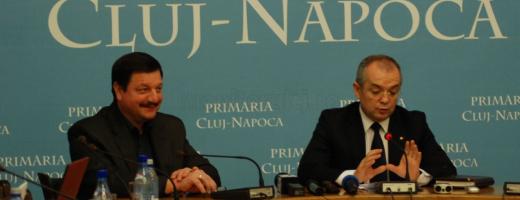 """Boc semnează ca primarul, Şurubaru """"strânge şurubul"""" la Primărie"""