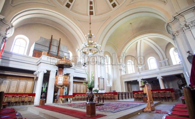 Biserica cu Doua Turnuri are o orga din 1941. Foto Saul Pop