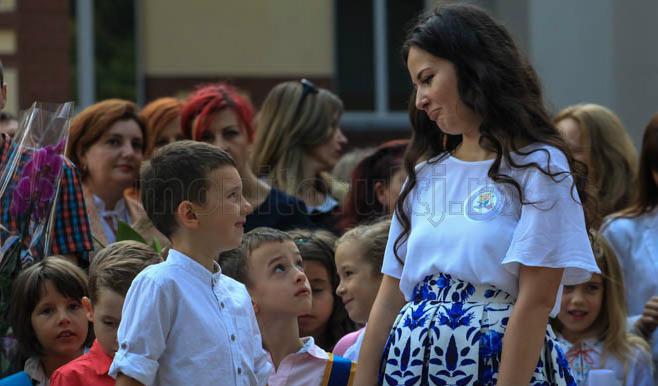 Inceput de an scolar la Liceul Avram Iancu. Foto Saul Pop