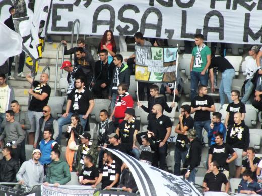 Peluza Sepcile Rosii la meciul U Cluj - Unirea Floresti