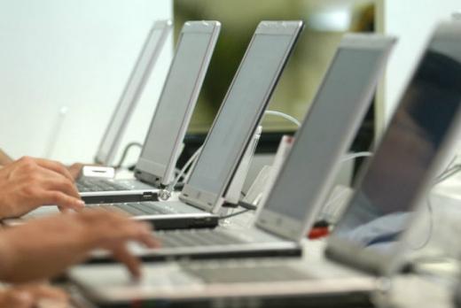 Statul a cheltuit 1 miliard de euro pe contracte IT. Nu toţi banii au fost daţi pe merit
